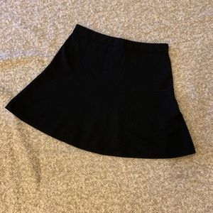 Theory knit mini skirt in sz S, perfect condition